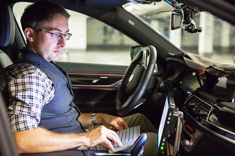 همکاری بی ام و، اینتل و موبایل آی برای ساخت خودروهای خودران